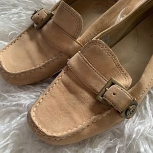 Ugg LEATHER driving Mocs moccasins size 8